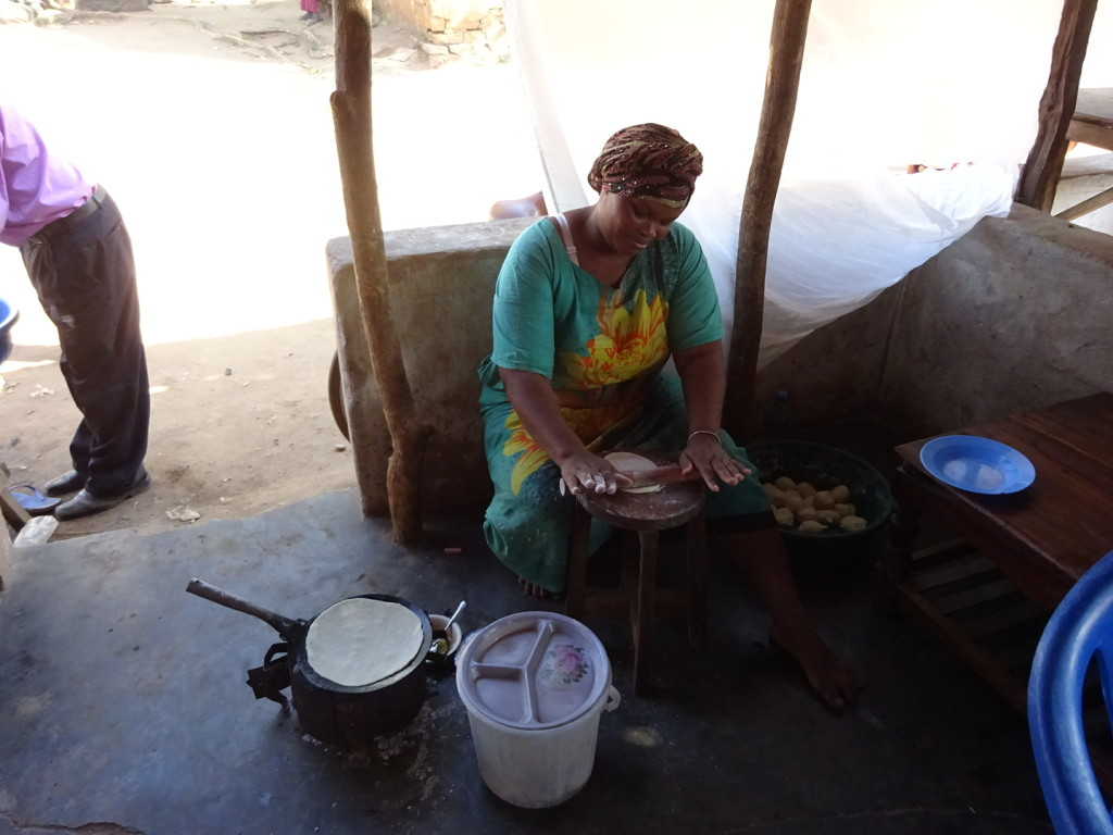 "This is the lady who runs the cafe. We had delicious ""milk-tea"" and chipati. I miss chipati..."