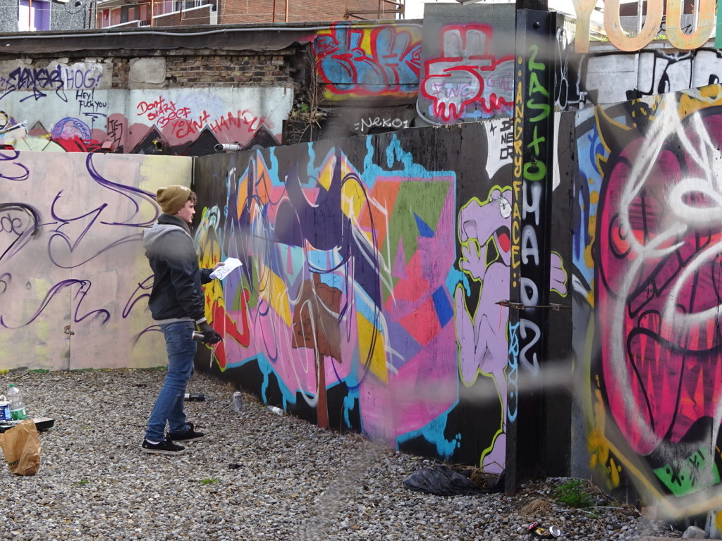 This was an area where we saw a BUNCH of different graffiti artists working. Quite a range of talent, but good to see them out working on their craft in an area that obviously accepts and appreciates it!