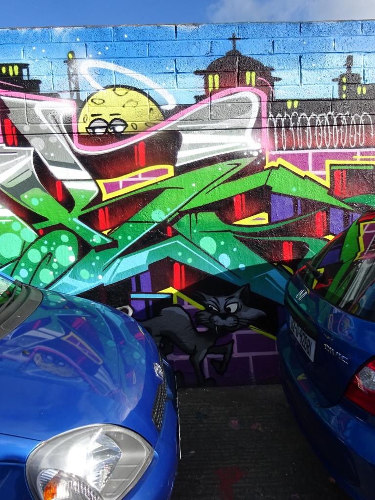 Great graffiti-street art combo!