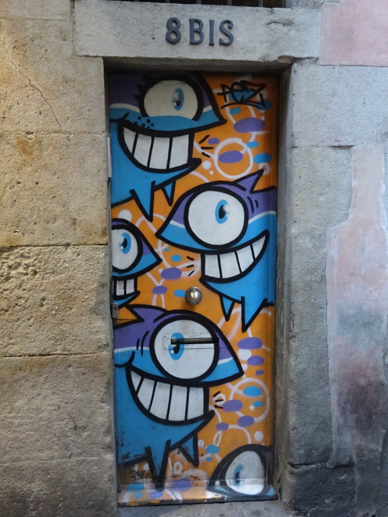 If there's one thing you can say about Barcelonans, they certainly prefer their street art colorful!