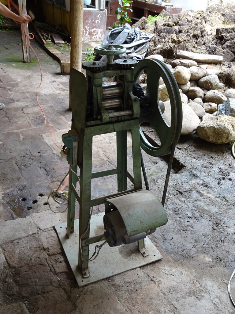 The motorized rolling mill. Roll, baby, roll!