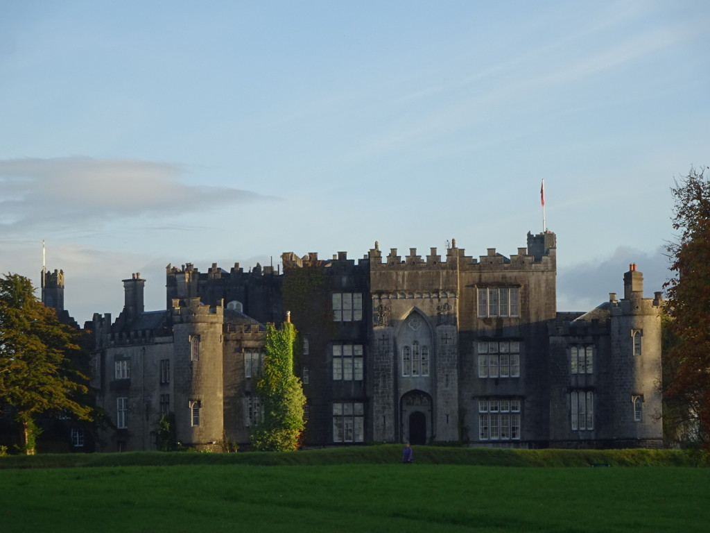 More castel.