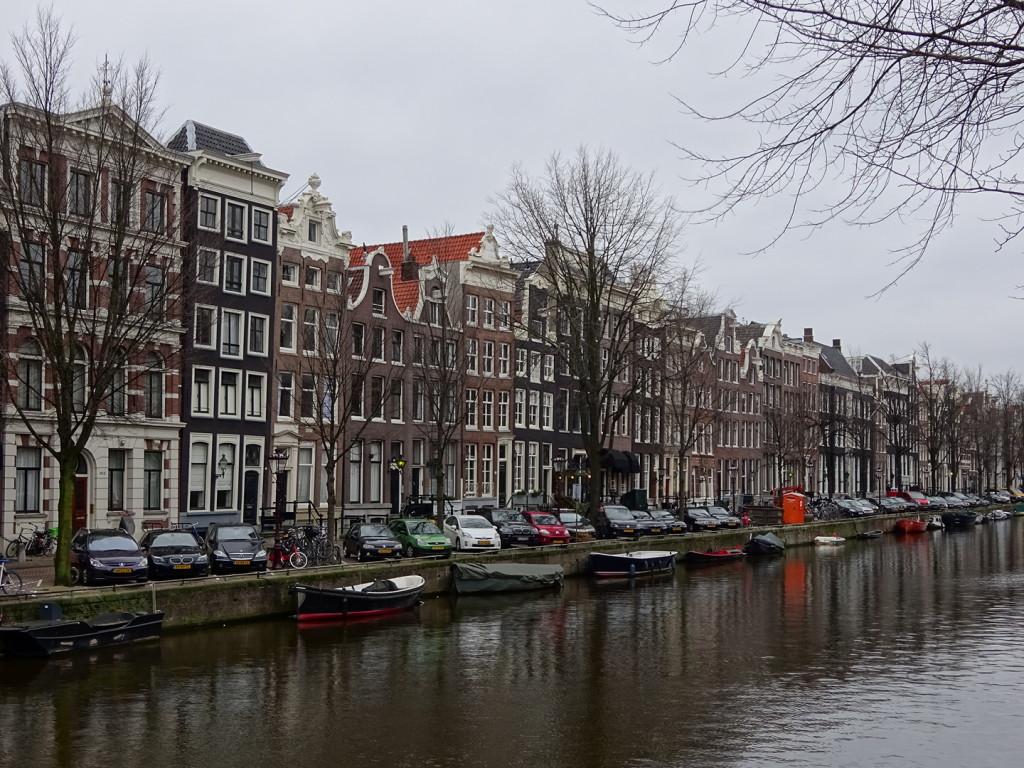 Lots of canals in this town.